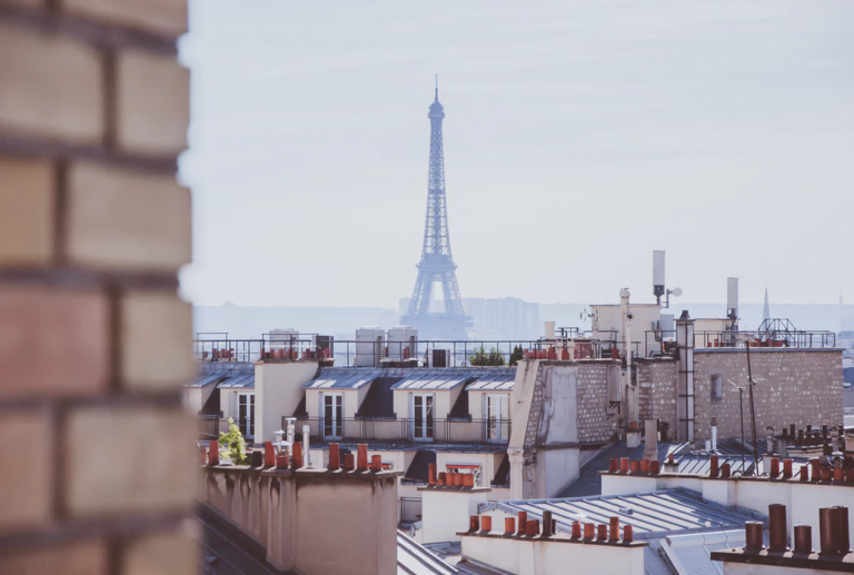 10 Essential Apps for a Visit to Paris – Stasher's Guide