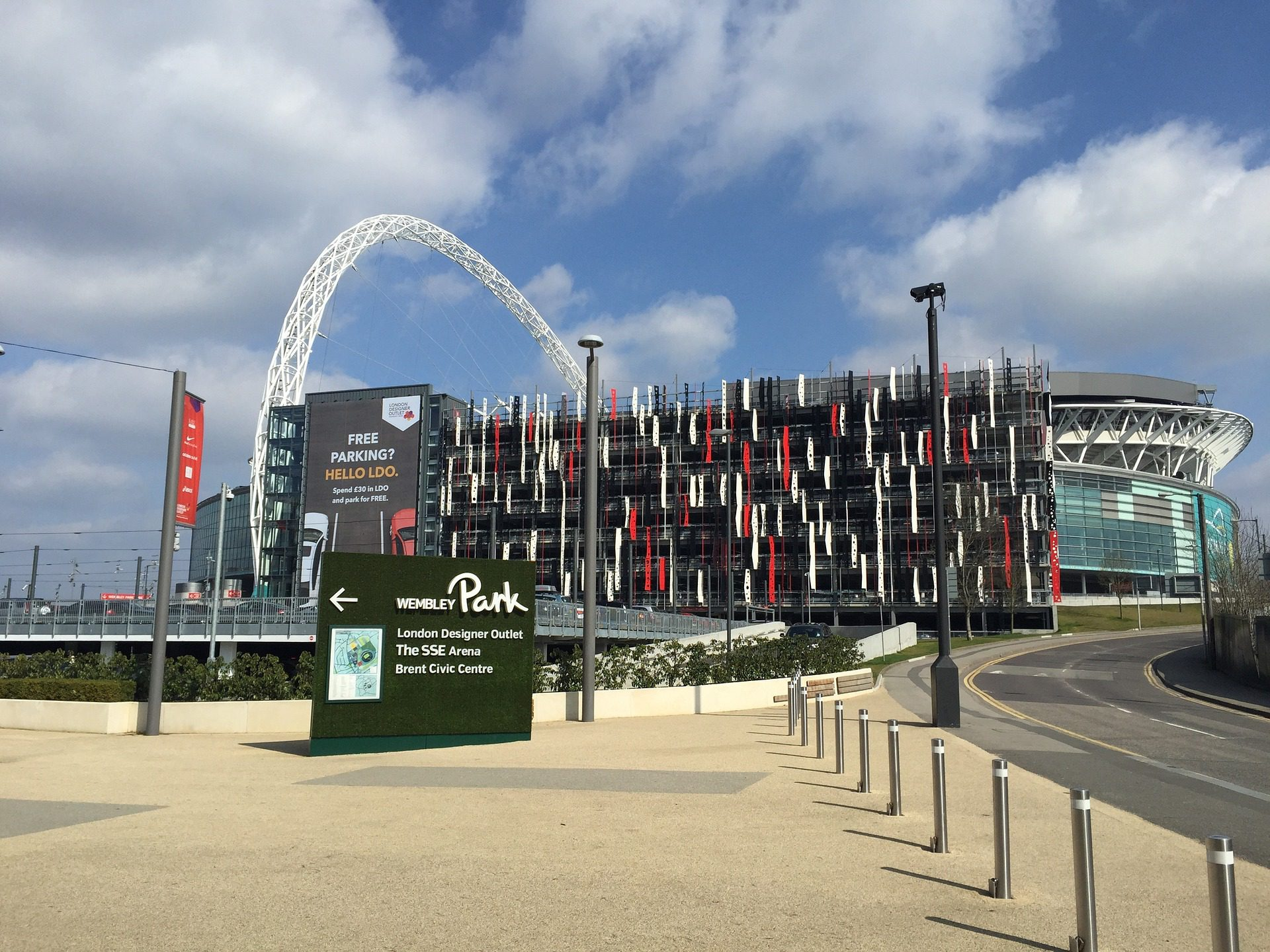 NFL London Games: How To Survive the Wembley Bag Policy