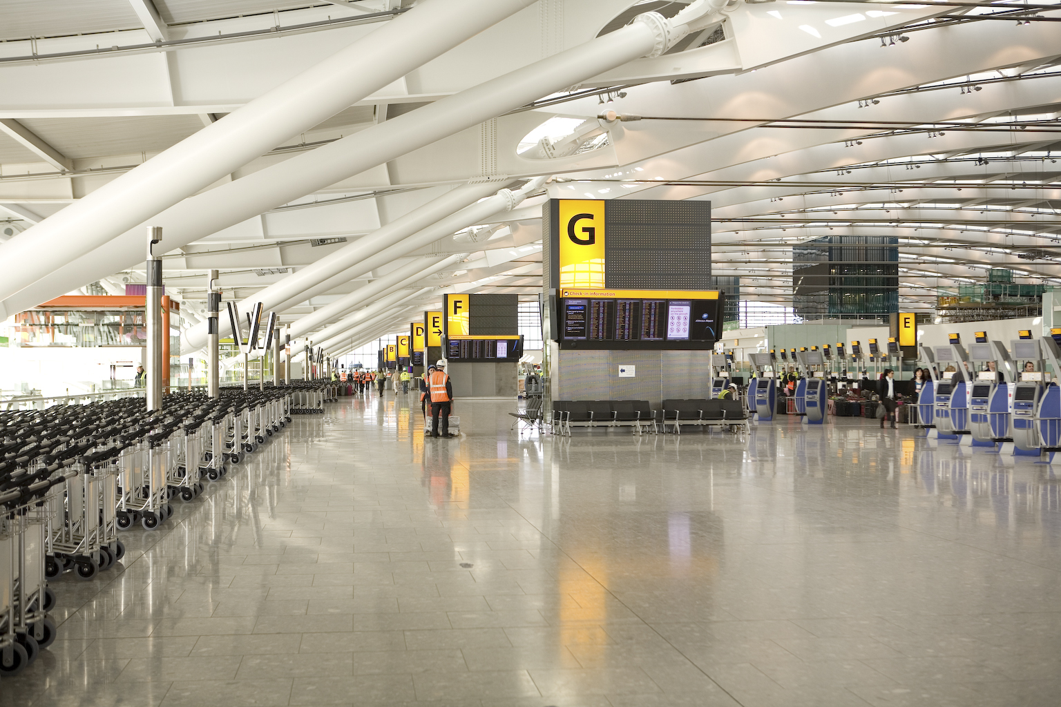 Stasher Ranks Hold Luggage Costs For Major European Carriers