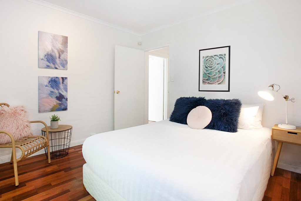 airbnb tips - bright bedroom