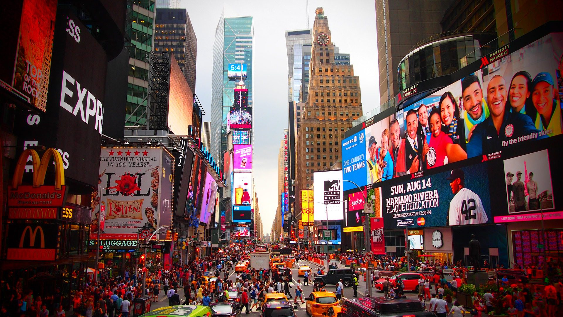Things to Do in Times Square: How Not to Get Lost in Manhattan