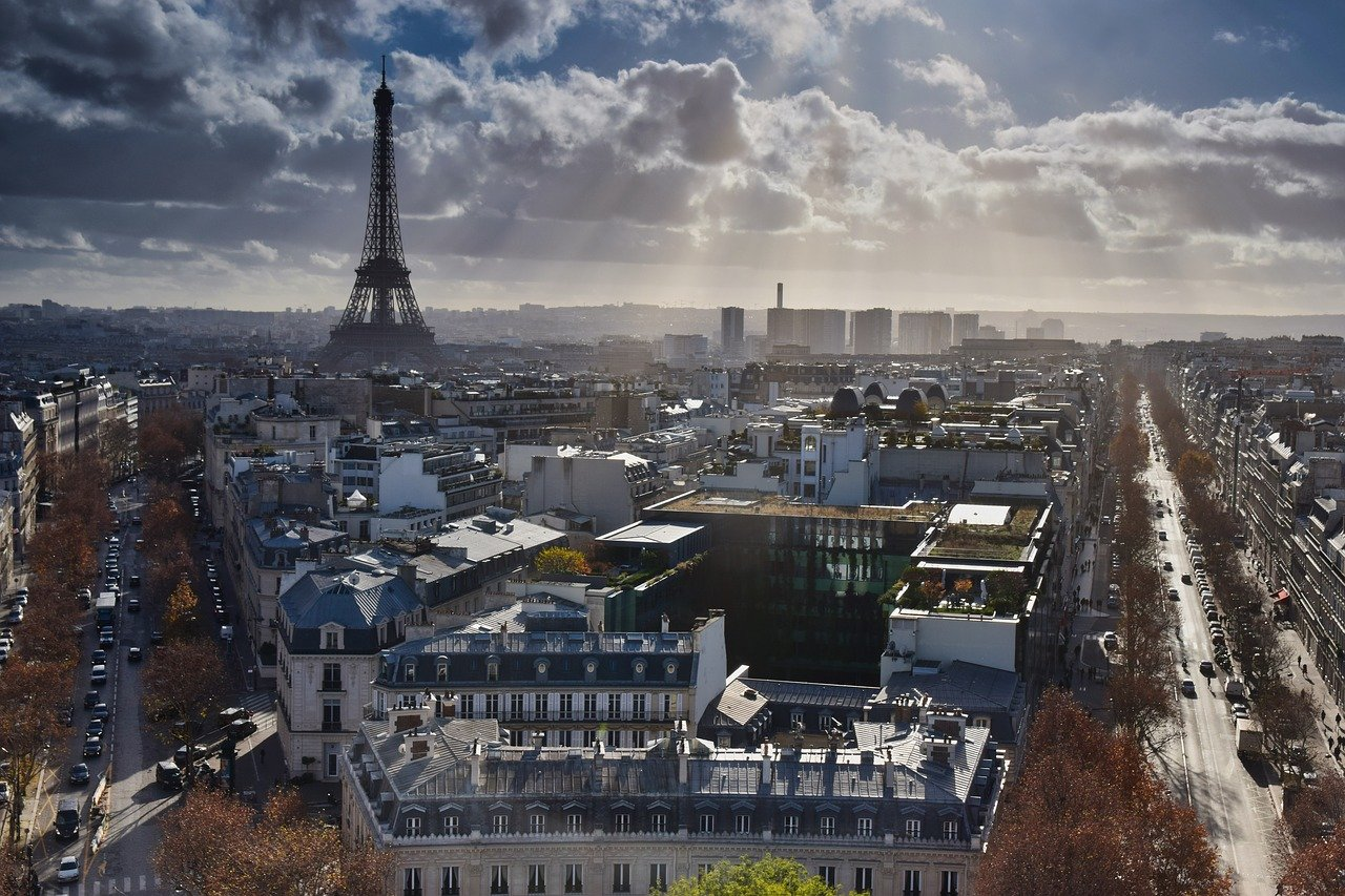 Paris Luggage Storage Guide 2020: Store Your Bags in the City of Light