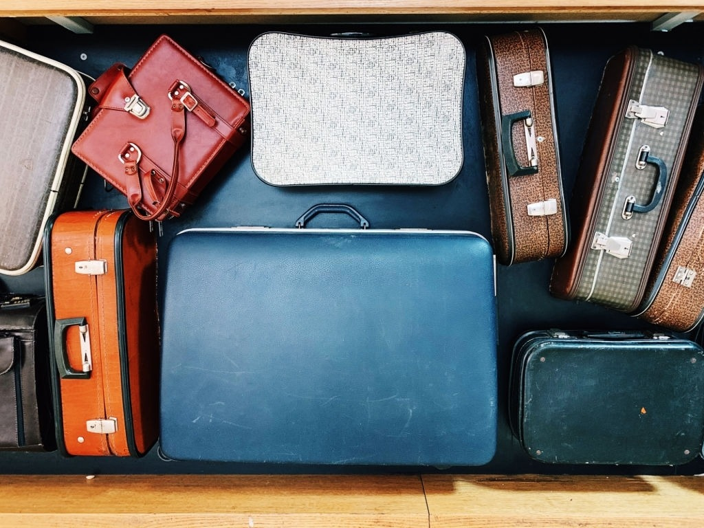 Topic of the day: Luggage Storage Ideas!